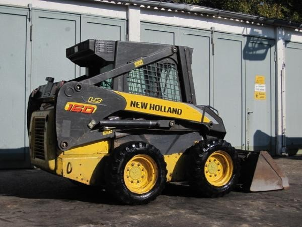 new-holland-kompaktlader-new-hd8793ae4